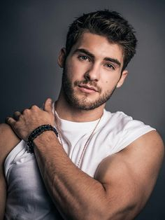 Cody Christian photographed by Arthur Galvao for Bello Magazine Cody wears Top x Karla, bracelet + necklace IceLink Pretty Little Liars, Pretty Boys, Theo Raeken, Cover Boy, Austin Mahone, Hommes Sexy, Attractive Men, Hot Boys, Bearded Men