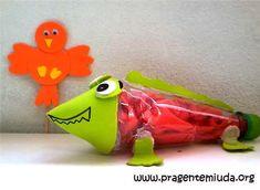 camaleão com garrafa pet