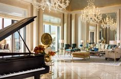 For VIPs, high-level executives and special social gatherings, the gloriously appointed Royal Suite offers the ultimate experience of Four Seasons Resort Dubai at Jumeirah Beach.