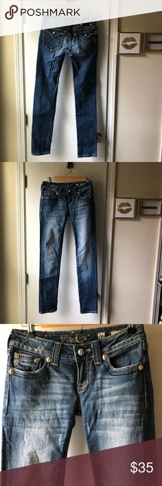 🦋Miss Me Skinny Jeans Size 26🦋 Miss Me Skinny Jeans. Distressed Look. Great condition. Size 26. Smoke free home. No trades. Thanks for looking! Miss Me Jeans Skinny