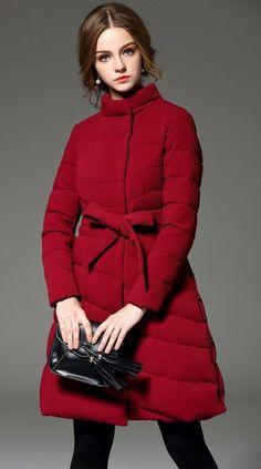 Пуховик женский бордовый с воротником стойкой в интернет-магазине Шопоголик