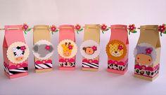 Na festinha safári para meninas muita cor rosa e flores. Esta lindas caixinhas são uma ótima opção para lembrancinha de festa no tema Safári Menina ou Tema Zoológico para meninas.