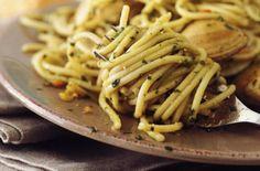 Spaghetti with Pesto Sauce Recipe (Spaghetti al Pesto)