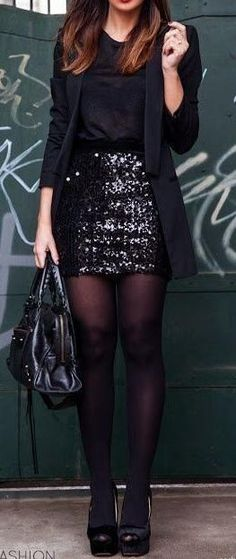 sequin mini skirt.                                                                                                                                                      Más