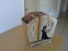 Müzeyyenin gazeteligi Decoupage, Wooden Bag, Box Bag, Wood Boxes, Collage, Painting On Wood, Storage, Home Decor, Craft