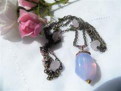 Oxideret kæde med lyserøde jade sten og swaroski - stor lilla jade sten med forgyldt kappe foroven - 67 cm lang