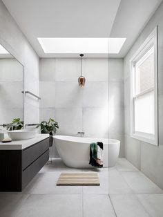 Bathroom decor for the master bathroom remodel. Learn master bathroom organization, bathroom decor ideas, bathroom tile tips, master bathroom paint colors, and much more. Minimal Bathroom, Modern Master Bathroom, Modern Bathroom Design, Bathroom Interior Design, Master Bathrooms, Dream Bathrooms, Farmhouse Bathrooms, Master Baths, Small Bathrooms