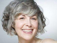 Voorproefje: Mooi oud worden kan ook met grijs haar!!