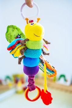 Süßes Rassel Beißring Stick Musical Spielzeug mit LED Licht für 0-1 Jahre alte