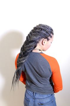 Check out these lovely grey colour that I mixed for hannas dreadlocks with extensions. I think it was over 5 different shades of grey, white and black that I mixed together to atcheve this look. How To Make Dreadlocks, Braided Dreadlocks, Dreads, Gray Color, Colour, Shades Of Grey, Extensions, Celebrities, Hair Styles