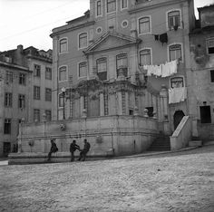 Lisboetas Antique Photos, Capital City, Old Pictures, Paths, Louvre, Street View, The Incredibles, France, Black And White
