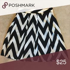 Black and white chevron skirt Black and white chevron print skirt. Great shape and perfect condition, never worn. Great for work! Francesca's Collections Skirts