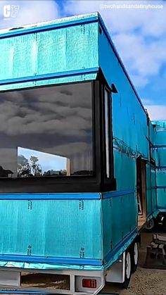 Shipping Crate Homes, Shipping Container House Plans, Shipping Containers, Tiny House Trailer, Tiny House Plans, Tiny House Living, Rv Living, Container Buildings, Container Homes