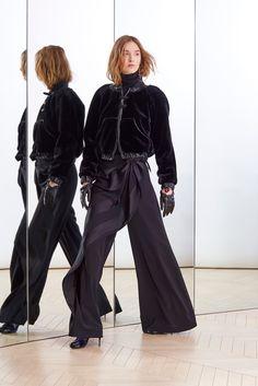 Alexis Mabille Pre-Fall 2015 Fashion Show - Manuela Frey