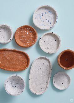 DIY clay bowls: easy to make and fun to give - Think. DIY clay bowls: easy to make and fu Sculpey Clay, Polymer Clay Crafts, Diy Clay, Diy Crafts Clay, Diy With Clay, How To Make Clay, Diy Air Dry Clay, Air Dry Clay Crafts, Air Drying Clay