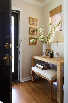 """""""It's the accessories that give a room its character,"""" says homeowner Hanna Seabrook, who admits that when she's not running Gadabout Creative, she's scavenging Etsy, eBay, flea markets, and thrift stores for treasures that others often overlook. #homedecor #hometour #southernliving"""