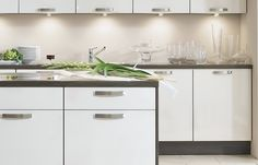 With nobilia lighting systems you can light up your work space perfectly, but also create a pleasant ambiance. Under Cabinet Lighting, Kitchen Lighting, Kitchen Cabinets, Kitchen Appliances, Kitchen Room Design, Quality Kitchens, Can Lights, Lighting System, Downlights