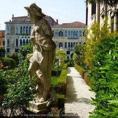 Capped statue in Venetian garden of countess Barnabo's palazzo | The Decorating Diva, LLC #blogtourmilan #venice #gardens