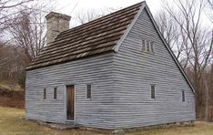 Clemence-Irons House Photo Gallery — Historic New England Historic New England, New England Homes, Historic Homes, New Homes, Abandoned Houses, Old Houses, Farm Houses, Early American Homes, American Life