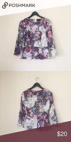 Floral Print Peplum Blouse Silky floral print peplum blouse by H&M.   •Size 6; best fits a size S   •Excellent used condition   •NO TRADES/HOLDS H&M Tops Blouses
