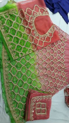 beautiful rajputi poshak by kuldeep singh Royal Dresses, Indian Dresses, Rajputi Dress, Lehenga Designs, Punjabi Suits, Indian Sarees, Indian Bridal, Dress Codes, Traditional Dresses