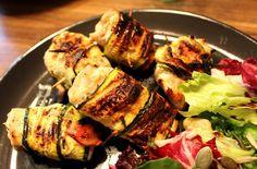 Ugolinon Seikkailut: Grilli Kuumaksi Raikkaalla ja kevyellä kanalla!! Zucchini, Chili, Pork, Meat, Vegetables, Kale Stir Fry, Chilis, Pigs, Veggies