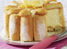 Charlotte au citron Charllote de Ananás – I could not find a pineapple charlotte photo, but that is it basically, just with pineapplecreme Lemon Recipes, My Recipes, Sweet Recipes, Cake Recipes, Dessert Recipes, Charlotte Dessert, Charlotte Cake, Food Cakes, Cupcake Cakes
