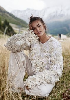 knitGrandeur®: Au Naturale: Rustic Knitwear- Elle Poland F/W 2018 High Fashion Photography, Editorial Photography, Glamour Photography, Lifestyle Photography, Fashion Shoot, Editorial Fashion, White Editorial, Fashion Night, Outdoor Fashion