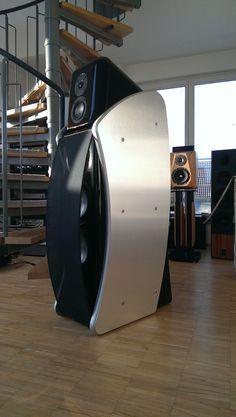 Revel - cjm-audio High End Audiomarkt für Gebrauchtgeräte High End Speakers, High End Hifi, Tower Speakers, Best Speakers, High End Audio, Audiophile Speakers, Hifi Audio, Stereo Speakers, Audio Design