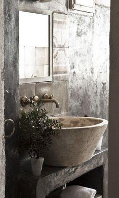Gut Ein Waschbecken In Betonoptik Sowie Grau Verputzte Wände Erinnern An Ein  Bauernhaus. Zusammen Mit Der
