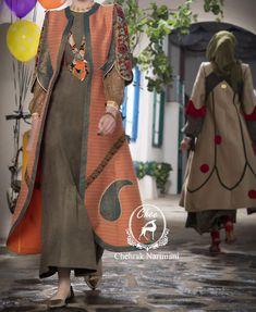 مدل مانتو سنتی 98, مدل مانتو سنتی 2019, مانتو سنتی جدید, مانتو سنتی مزون سنجاقک, مانتو سنتی شیک, مانتو سنتی با دامن, مانتو سنتی با ترمه , مانتو سنتی شیک Modern Hijab Fashion, Batik Fashion, Abaya Fashion, Muslim Fashion, Fashion Dresses, Iranian Women Fashion, Hijab Fashionista, Stylish Clothes For Women, Mode Hijab