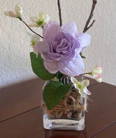 Life in the Craft Lane: Crêpe Paper Flowers Traditional Roses, Crepe Paper Flowers, Leaf Shapes, Large Flowers, Rose Petals, Design Crafts, Artificial Flowers, Flower Decorations, Flower Patterns