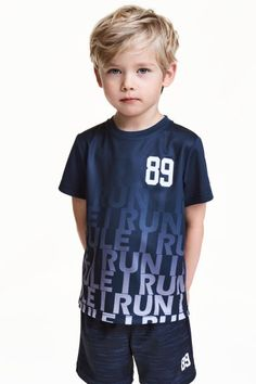 T-shirt training - Kids Hairstyles Boys, Boy Haircuts Long, Little Boy Hairstyles, Toddler Boy Haircuts, Toddler Boys, Kids Boys, Boys T Shirts, Sports Shirts, Sport Top
