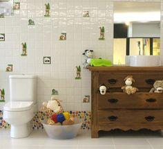 Que tal aproveitar para fazer aquela mudança no espaço do seu filho?! Ele vai adorar. Pensando nisso o Atelier separou algumas opções personalizadas para despertar a sua imaginação. São peças variadas e você pode montar do jeito que quiser. Venha nos visitar e conhecer mais das linhas Zoológico e Crianças! #arquitetura #infantil #crianças #kids #decoracao #banheiro #divertido #designdeinteriores #atelieramalfi