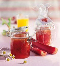 Säuerlicher Rhabarber und süßer Maracuja-Nektar ergeben eine köstliche Verbindung.