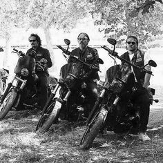 Sons Of Anarchy and badass shit Outlaws Motorcycle Club, Motorcycle Clubs, Jax Teller Quotes, Sons Of Anarchy Samcro, Sons Of Anarchy Motorcycles, Tommy Flanagan, Iconic Movie Posters, Charlie Hunnam Soa, Top Les