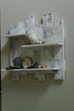 Your place to buy and sell all things handmade Pine Shelves, Pallet Shelves, Rustic Shelves, Wood Pallets, Pallet Wood, Diy Wood, Decoracion Low Cost, Pallet Wall Decor, Wood Mantle