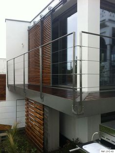 Manufacturer railing stainless steel for the outside, in Brittany, valves. - All About Balcony Deck Stair Railing, Balcony Railing Design, Staircase Handrail, Cable Railing, Modern Staircase, Balustrade Balcon, Balustrades, Facade Design, House Design