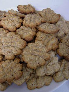 Dulmina tündérkonyhája: Nagyon mogyorós, nagyon finom Cookies, Desserts, Food, Crack Crackers, Tailgate Desserts, Deserts, Biscuits, Essen, Postres
