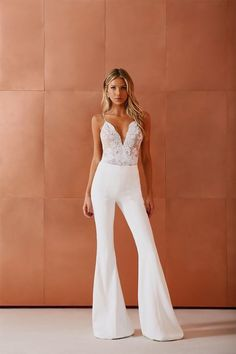Looks New Year 2018 Ideas and Inspirations Looks Ano Novo 2018 Ideias e Inspira es R veil White Outfits, Classy Outfits, Fall Outfits, Fiesta Outfit, Wedding Jumpsuit, Girl Fashion, Fashion Outfits, Prom Dresses, Formal Dresses