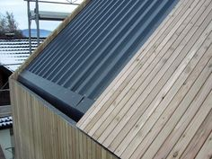 This unique photo is certainly an impressive design procedure. Roof Cladding, House Cladding, Timber Cladding, Timber Architecture, Architecture Design, Roof Design, House Design, Wood Facade, Modern Barn House