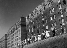 Les 20 ans de Josette, Gentilly, 1948, photo: Robert Doisneau