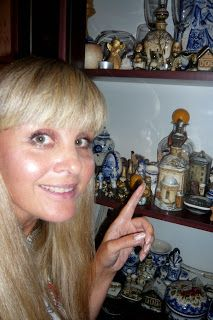 Hand painted porcelain: I am visiting the most beautiful city in the world...