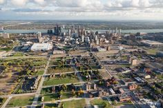 <b>The New York <i>Times</i>: <i>Detroit by Air</i></b><br>An overview of Brush Park and its proximity to downtown, including the Detroit River and Canada on the horizon. New housing developments begin to fill in along the edge of the neighborhood.