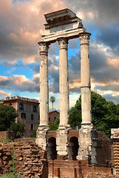 The Temple of Castor and Pollux, The Forum Rome, Italy Roman Architecture, Ancient Architecture, Ancient Ruins, Ancient Rome, Ancient History, The Places Youll Go, Places To See, Templer, Beautiful Places In The World