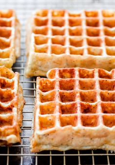everything bagel breakfast waffles // i'm so curious to try these!