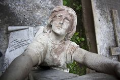 Beautiful Architechture of Tomb in Greek Cemetery Kolkata