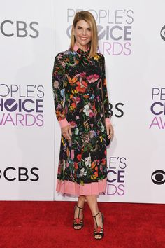 Lori Loughlin in a Floral Collared Dress - Best Dressed at the People s  Choice Awards 2017 8a067b4fe
