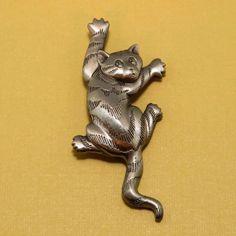 Vintage JJ Climbing Tabby Cat Brooch Pin