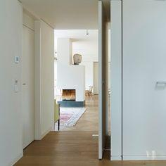 Studio-P / + domestic / house peacock